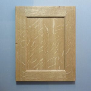 White Oak, Quarter Cut, Solid Reversed Raised Flat Panel, Bevel Shaker Inside Profile, Natural