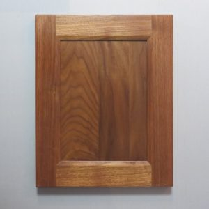 Walnut, Solid Reversed Raised Flat Panel, Bevel Shaker Inside Profile, Natural